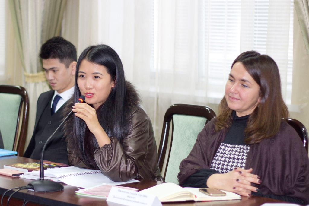 round-table-for-ukrainian-and-foreign-students-dedicated-to-the-international-day-and-international-day-of-accountant-student-3