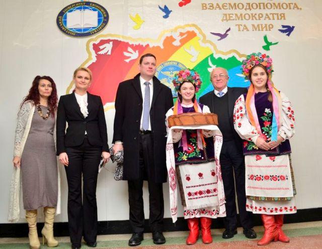 elegatsiyeyu-posolstva-latvijskoyi-respublik-6-2