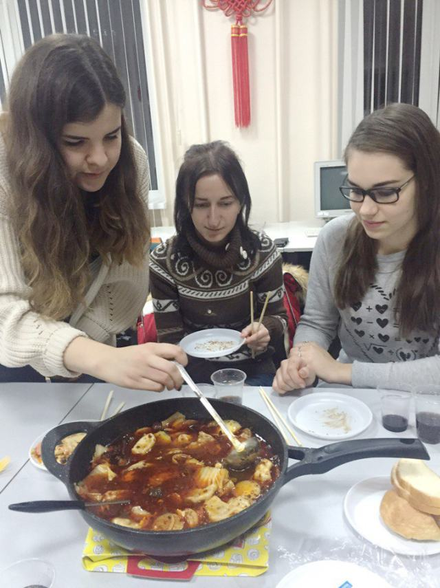 Celebrating Ukrainian New Year in Chinese traditions at PUET (4)